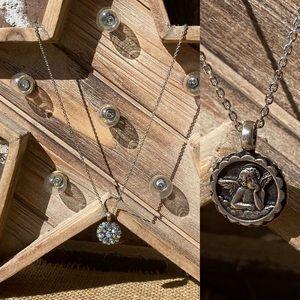 Mariana Guardian Ángel Crystal Pendant Necklace